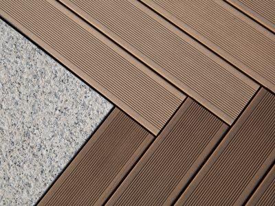 نحوه اجرای چوب پلاست در کف